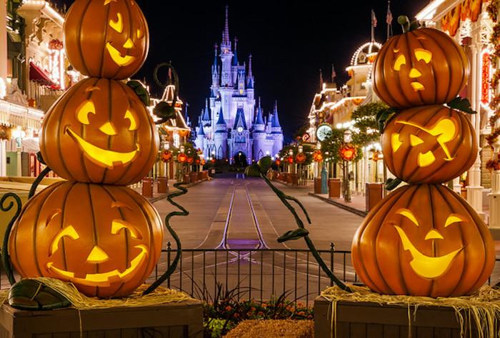 Halloween in Disneyland ist der Traum von vielen - sechs Kürbisse Halloween lustige Bilder