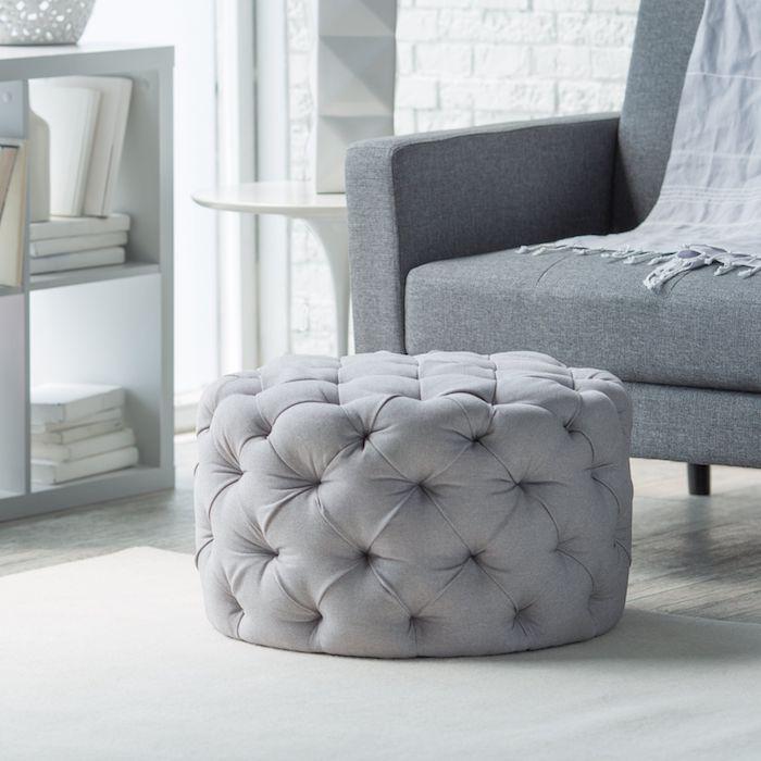 sitzkissenbezüge graues design zugeknöpft idee sessel decke regal bücher weiß