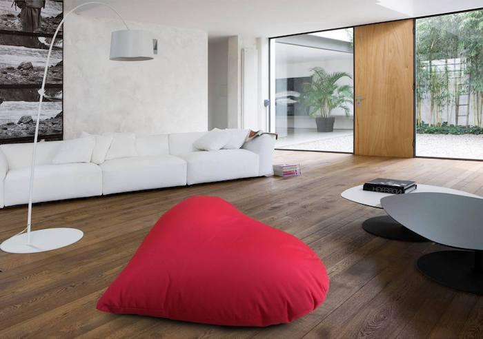 sitz kissen rotes design rote deko artikel idee in dem modernen zuhause weißes sofa