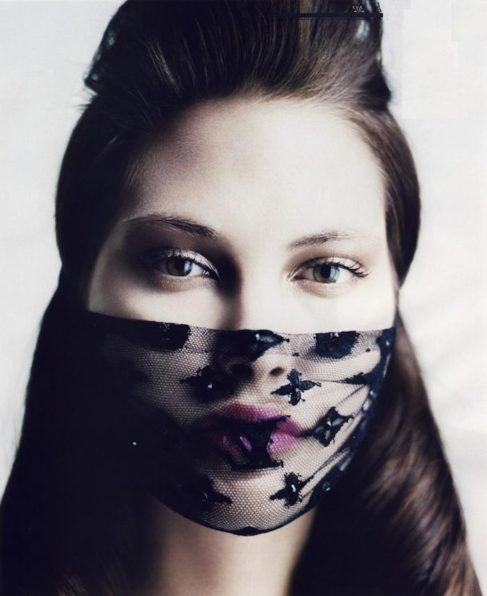 schnelle und einfache Halloween Masken aus Spitze mit passendem Make up und mit einer entsprechenden Frisur