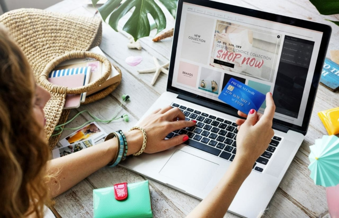 Beim online Shopping mit den Gutscheincodes von CouponLiebe.de sparen, die besten Schnäppchen ergattern