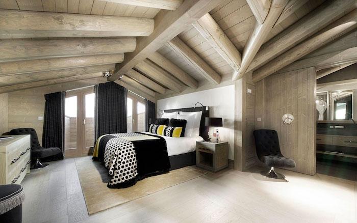 dachschräge kreatives design ideen hölzernes flair landhaus ambiente ideen balkon