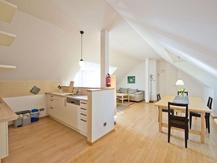 zimmer mit schräge einrichten einrichtungsideen küche wohnbereich wohnzimmer wohnküche