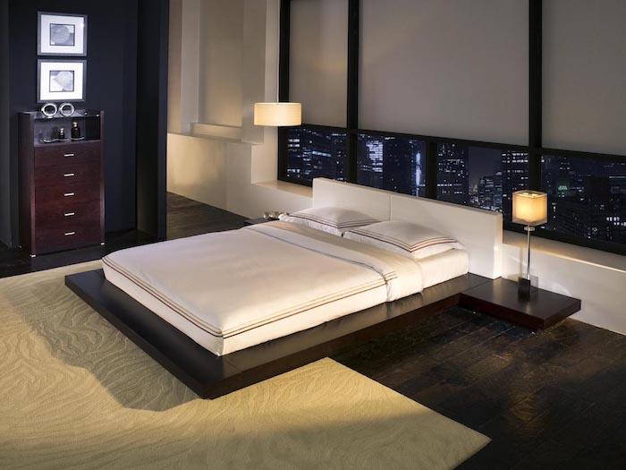 neu eingerichtetes Schlafzimmer mit schwarzen Wänden, New York in der Nacht, Wandnische