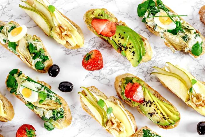 Einfache und schnelle Rezepte für eine Party mit vielen Gästen, leckere Snacks zubereiten- Schritt für Schritt