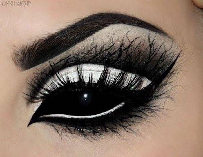 schwarze Vollschalen-Kontaktlinse, schwarz-weißes Halloween Make Up