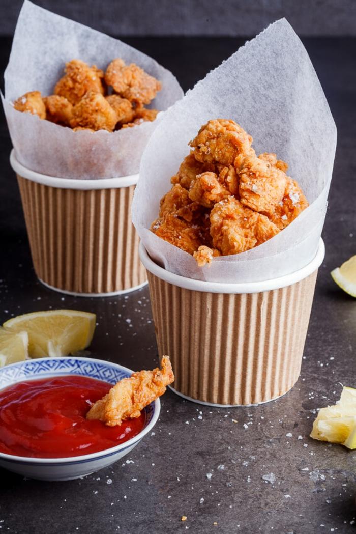 Hühnerbisse für Ihre Party, Rezepte für Fingerfood, Feier organisieren- coole Ideen für Partyessen