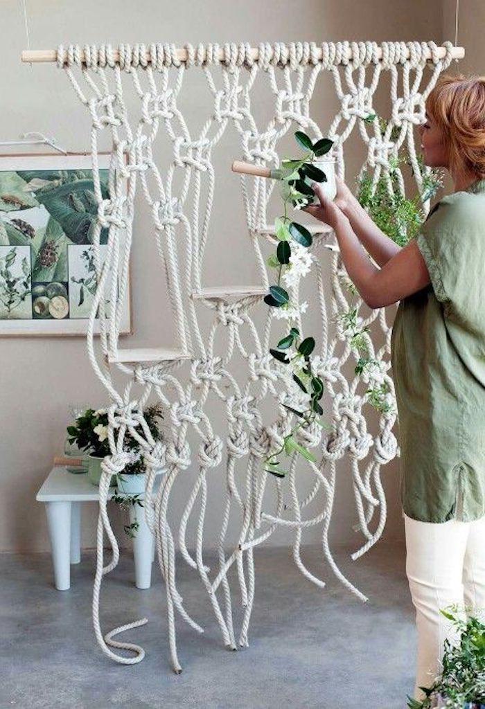 blumenampel für mehrere töpfe schöne ideen wanddeko zu hause garten wohnung frau dekoriert