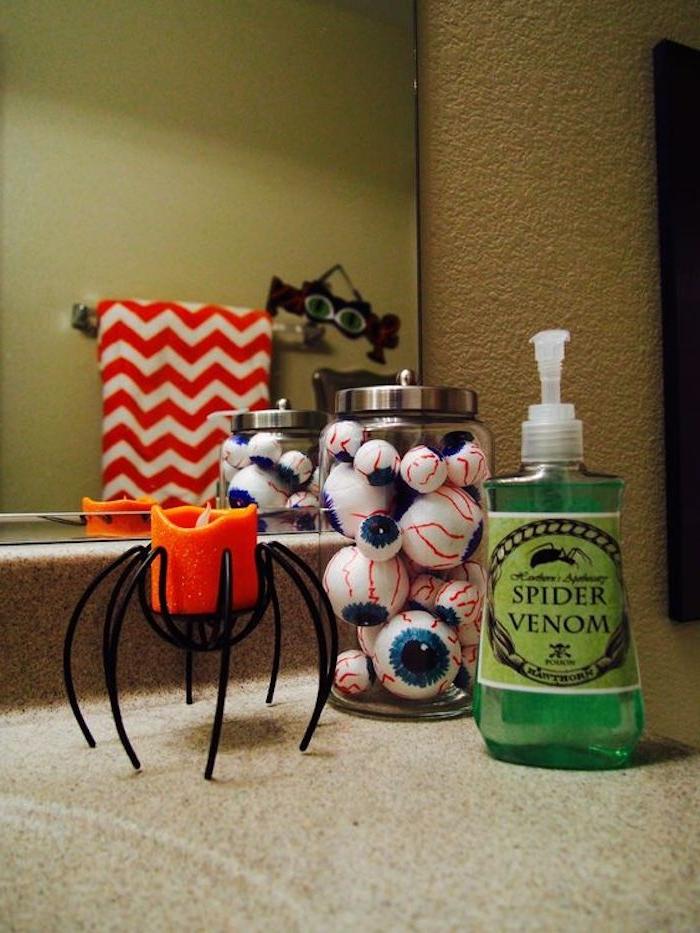 wenn Sie ein Halloween Party organisieren und im Badezimmer zu verzieren - Bastelideen Halloween