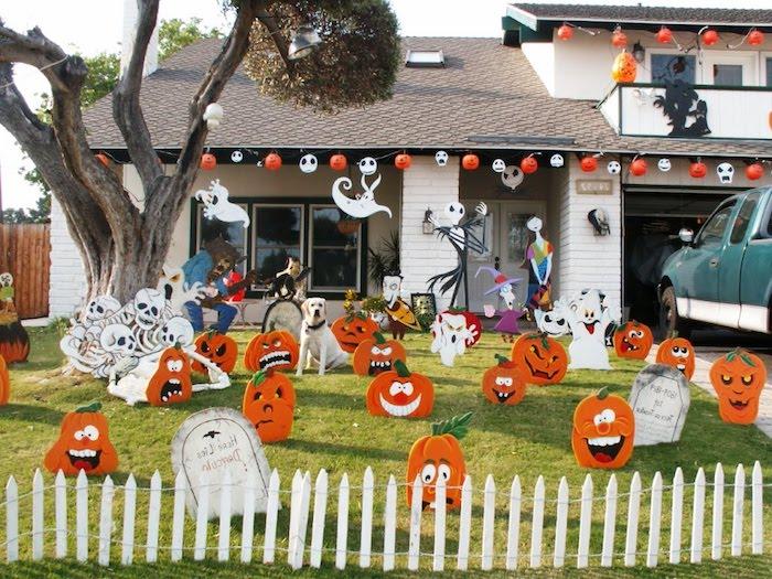 eine gruselige Dekoration für den ganzen Hof selber machen - basteln für Halloween