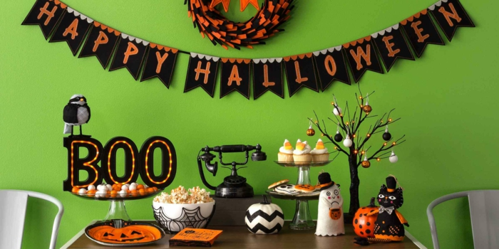Happy Halloween Girlande, Halloween Tischdekoration, Muffins und Popkorn, grün und orange