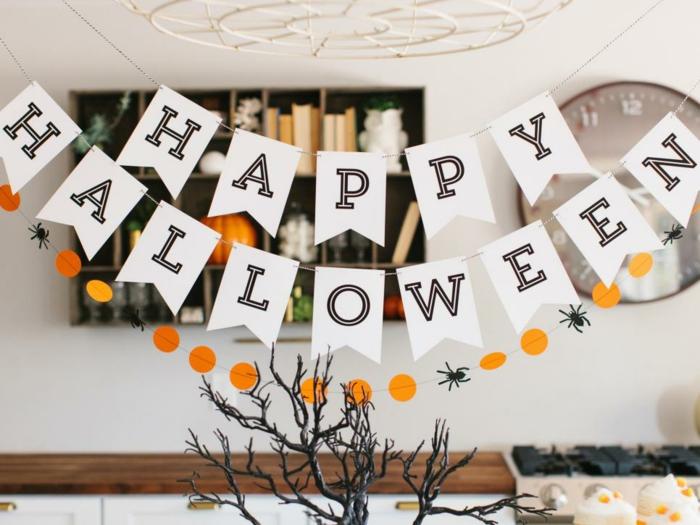 10 halloween gedichte f r schaurig sch ne stimmung. Black Bedroom Furniture Sets. Home Design Ideas