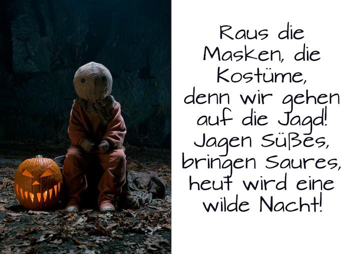 noch ein schönes bild mit einem kleinen halloween monster und einem halloween kürbis - hier finden sie außerdem eine tolle idee zum thema halloween sprüche