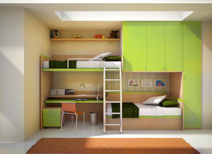kompaktes Kinderzimmer für zwei Kinder ein Abenteuerbett mit Schreibtisch