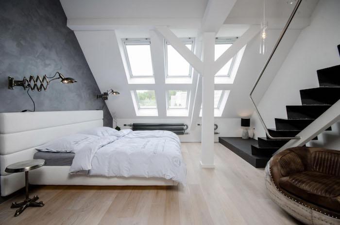 zimmer mit schräge einrichten bett schlafzimmer fenster ideen gestaltung treppe schwarz