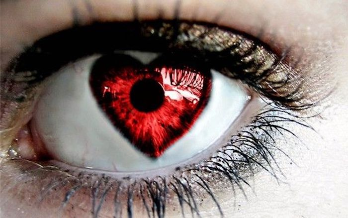 kosmetische Kontaktlinsen für Partys in der Form eines Herzens
