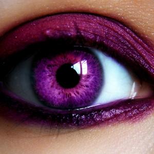 Verrückte Halloween Kontaktlinsen: Welches Modell tragen Sie dieses Jahr?