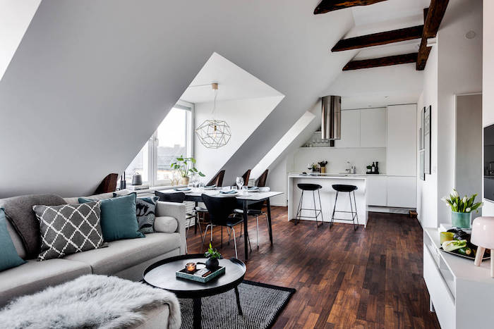 wohnung einrichten ideen graues design möbel sofa kissen türkis kissen kochinsel
