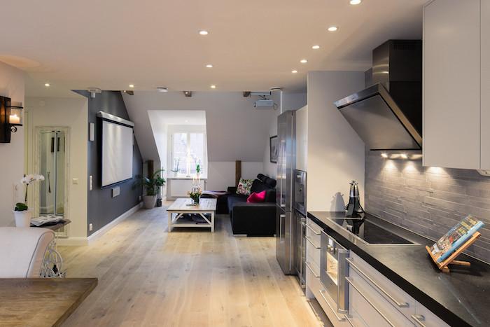 dachgeschosswohnung idee küche wohnküche wandbilder wanddeko sofa beleuchtung