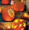 kürbis schnitzen ideen halloween deko eingang treppe laternen