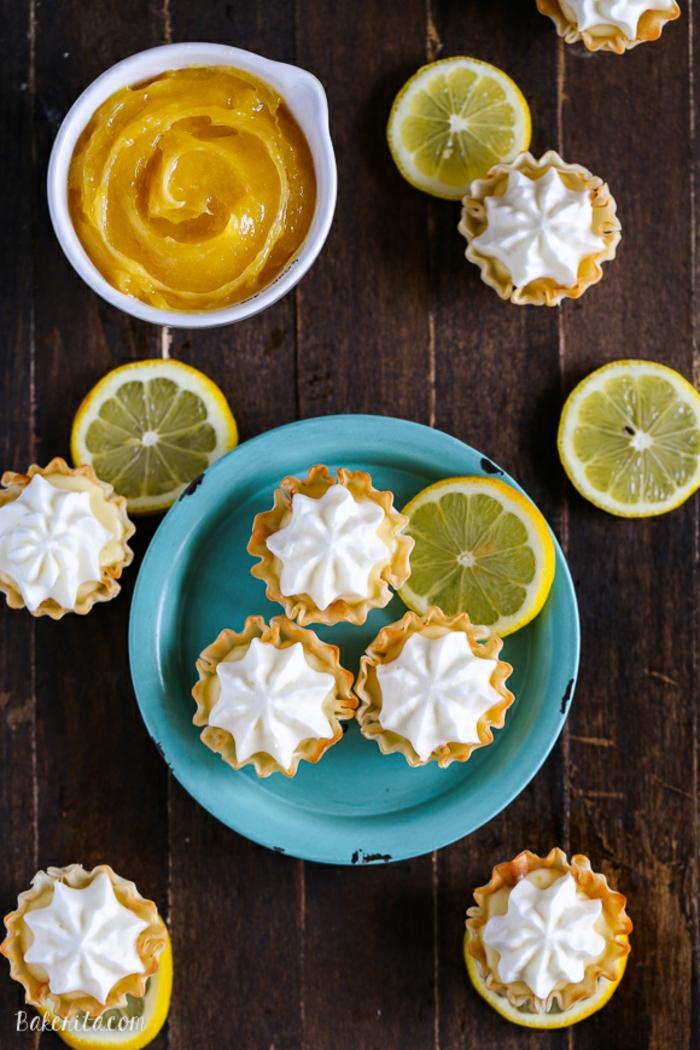 Schöne Mini-Kuchen mit Zitronencreme, Nachtisch- Rezepte für einzigartige Party