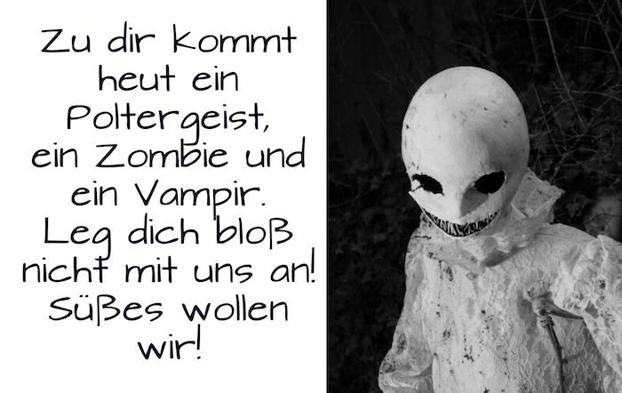 jetzt zeigen wir ihnen ein schönes bild mit einem kind mit einem weißen halloween kostün und einer weißen maske