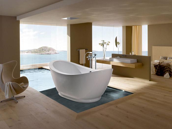 freistehende badewanne aus mineralguss, großes badezimmer mit terrasse