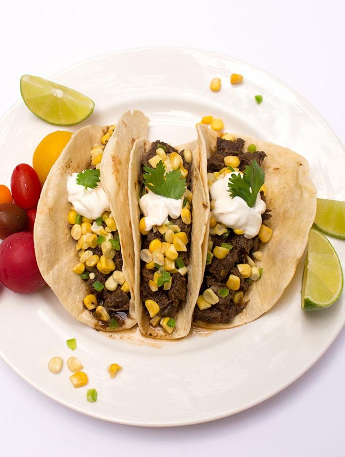 Tacos mit Rindfleisch und Mais vorbereiten, schnelle und einfache Rezepte für viele Gäste