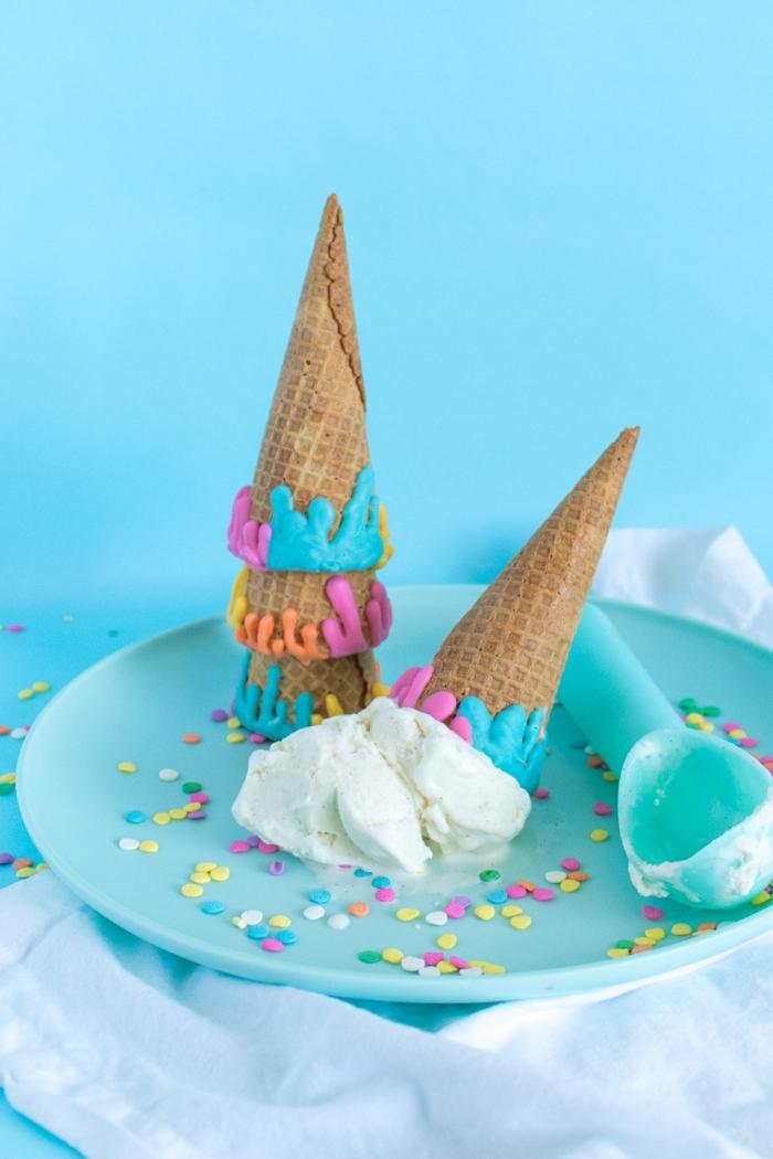 Party-Rezepte für Kindergeburtstag, Waffeln mit Eis, Sommerfeier organisieren- tolle Ideen