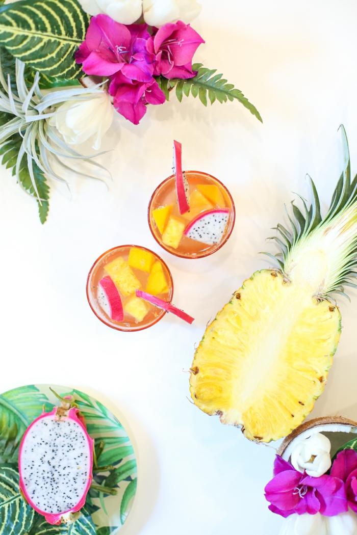 Bunte Partygetränke, lecker und erfrischend, tolle Ideen für tropische Sommerparty, feiern und genießen