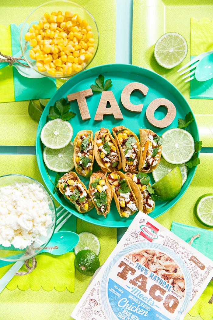 Tacos mit Hühnerfleisch und Mais vorbereiten, Fingerfood für viele Gäste, schnelle und leckere Gerichte