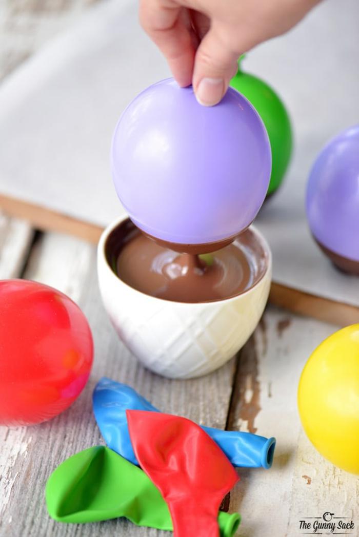 Schokoladenschale mit Luftballon selber machen, Schritt-für-Schritt-Anleitung, einfach und effektvoll