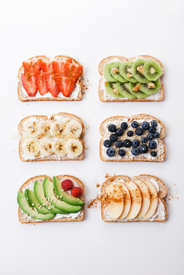 Kleine Snacks zum Kindergeburtstag, Toasts mit Früchten- bunt und gesund, schnell vorbereiten