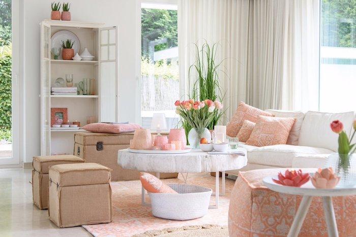 orange farbe shabby wohnzimmer idee tulpen auf dem tisch frische blumen stilvolle einrichtung zu hause