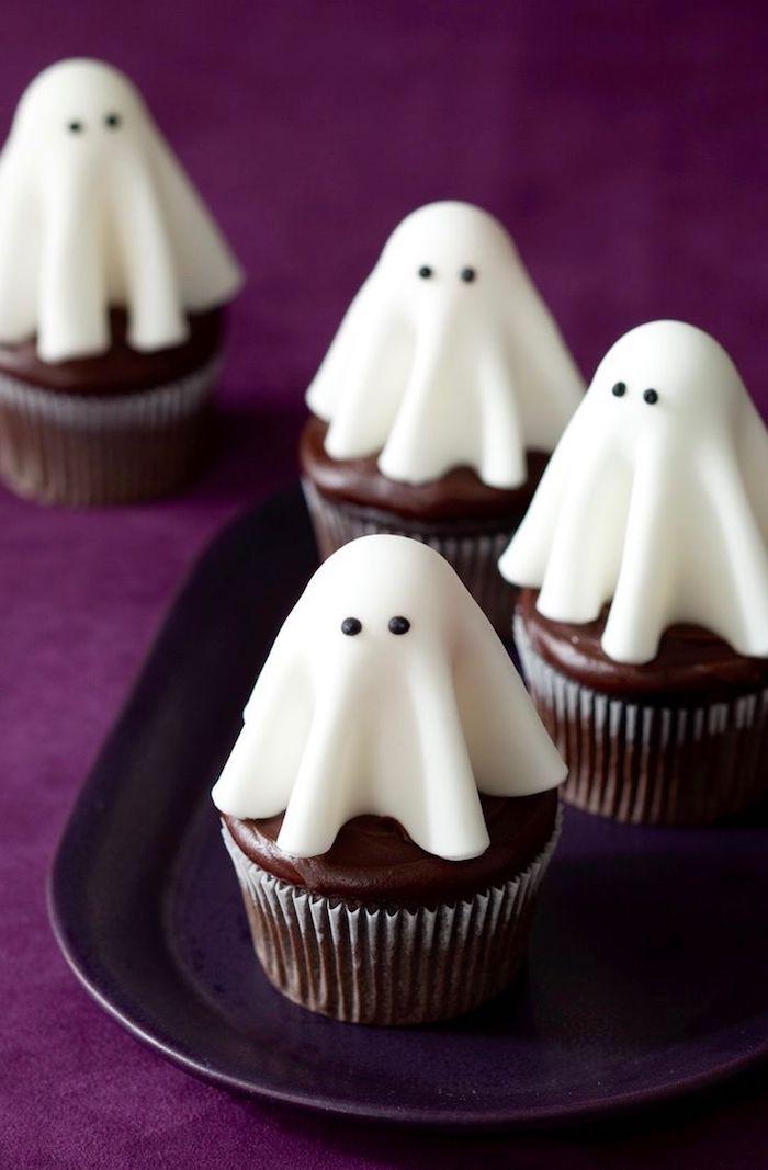 rezepte für halloween, gespenster-muffins mit oreo-keksen selber machen