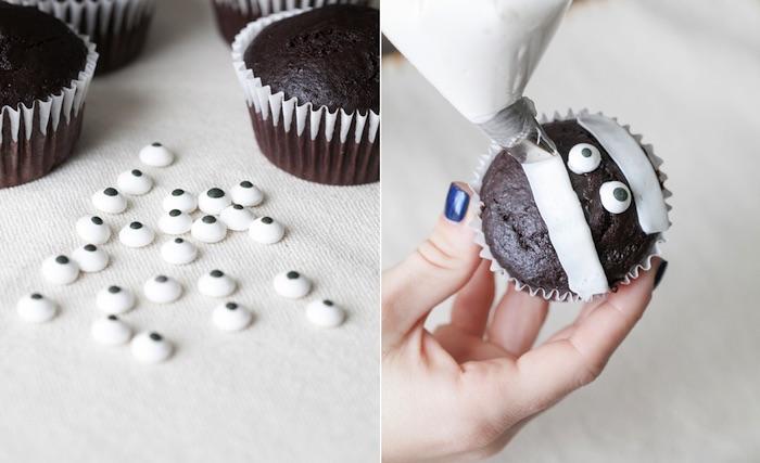 rezepte für halloween, schoko-muffins selber machen und dekorieren, cupcakes-mumien