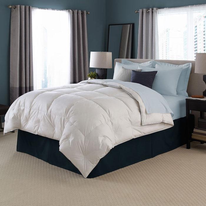 Schlafkomfort mit einem Boxspringbett und eine kuschelige Decke