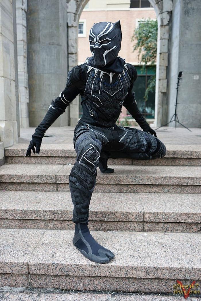 schnelles Halloween Kostüm - schwarze Kleider mit weiß färben und Schwarzer Panter darstellen