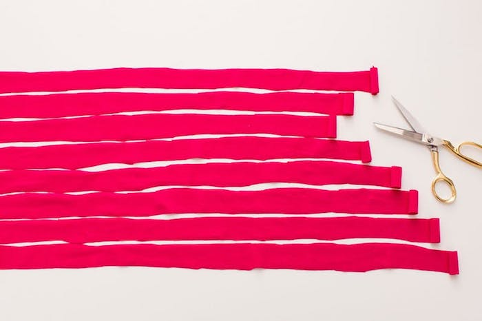anleitung diy ideen zum verwirklichen rosa schleifen abschnitte schnüre schere schneiden