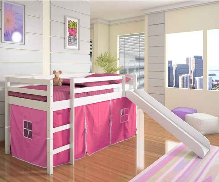 rosa Farbe von Hochbett für Kinder perfekt für ein Mädchenzimmer, auch Rutsche vorhanden