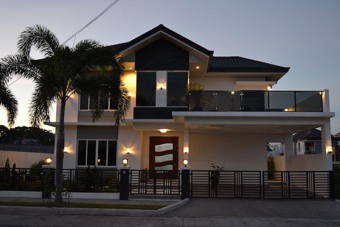 zaunsystem gartentor gartentür zaun kreative idee villa haus palme exotisch