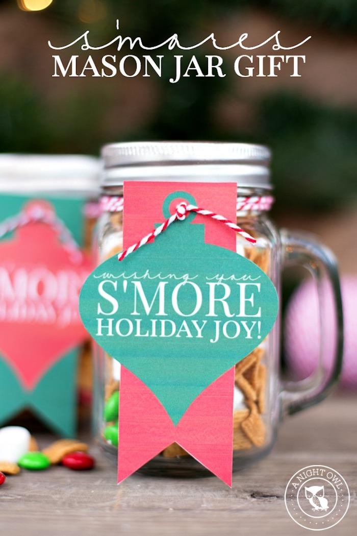 geschenke aus der küche, einmachgläser gefüllt mit bonbons und marshmallows