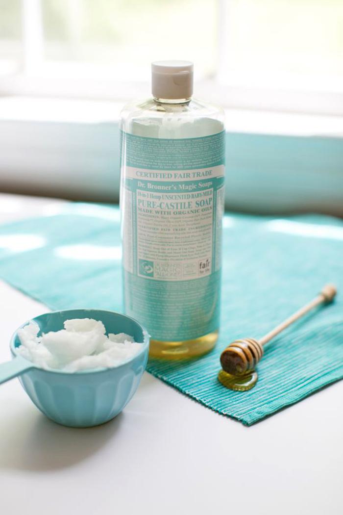 basische körperpflege, honig, kokosöl und olivenölseife