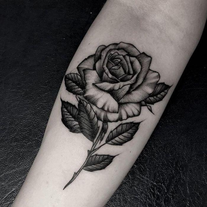 Arm frau tattoo rosen Ideen Tattoos