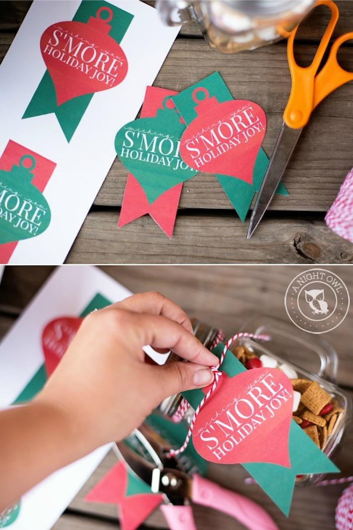 geschenke aus der küche, einmachflas mit süßigkeiten mit papier dekorieren