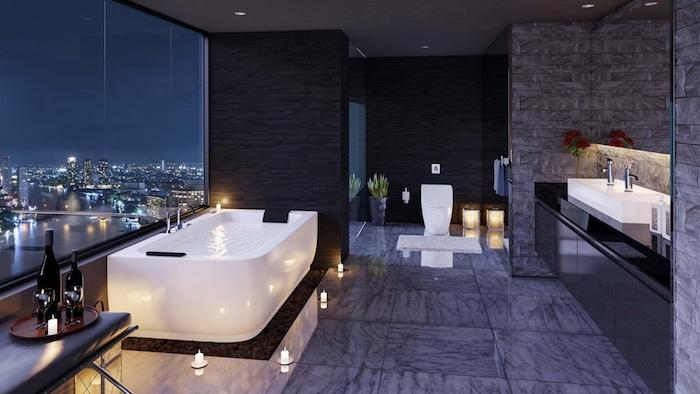 moderne bäder, bad mit großem fenster, graue keramifliesen