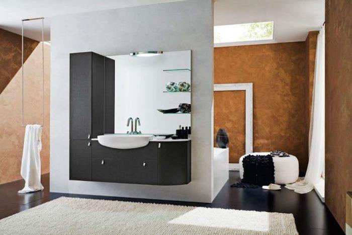 badezimmer deko, modernes bad in schwarz, weiß und orange, badezimmermöbel
