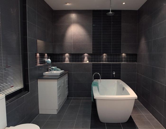bäderideen, kleines bad in grau und weiß, badezimmerbeleuchtung