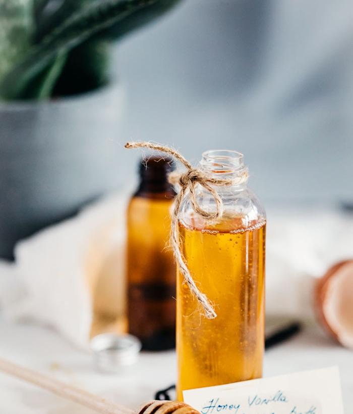 bio kosmetik, duschgel mit honig und ätherischen ölen selber machen