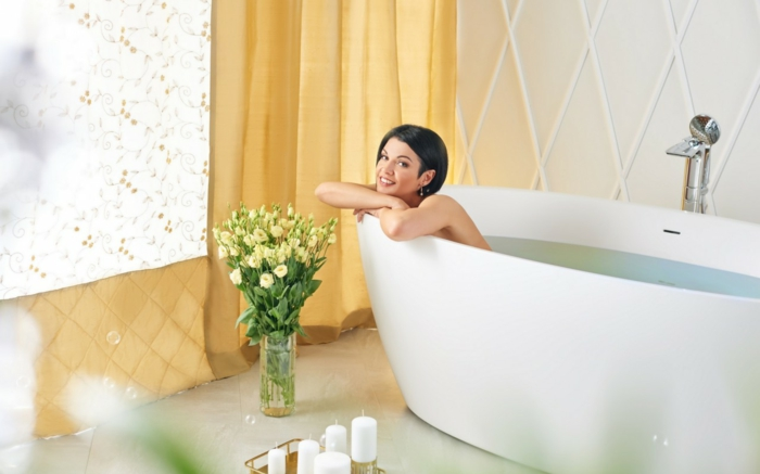 Aromatherapie zu Hause mit hausgemachtem Badesalz, Hausmittel gegen Stress und Müde, Rezepte und Ideen